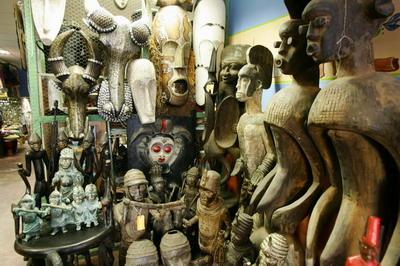 非洲特色的面具,木雕总是带给我们些许神秘感