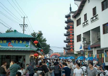 舟山海鲜大排档在上海的盛况